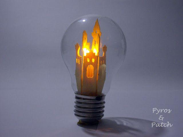 We all shine on..... Magia dentro una lampadina