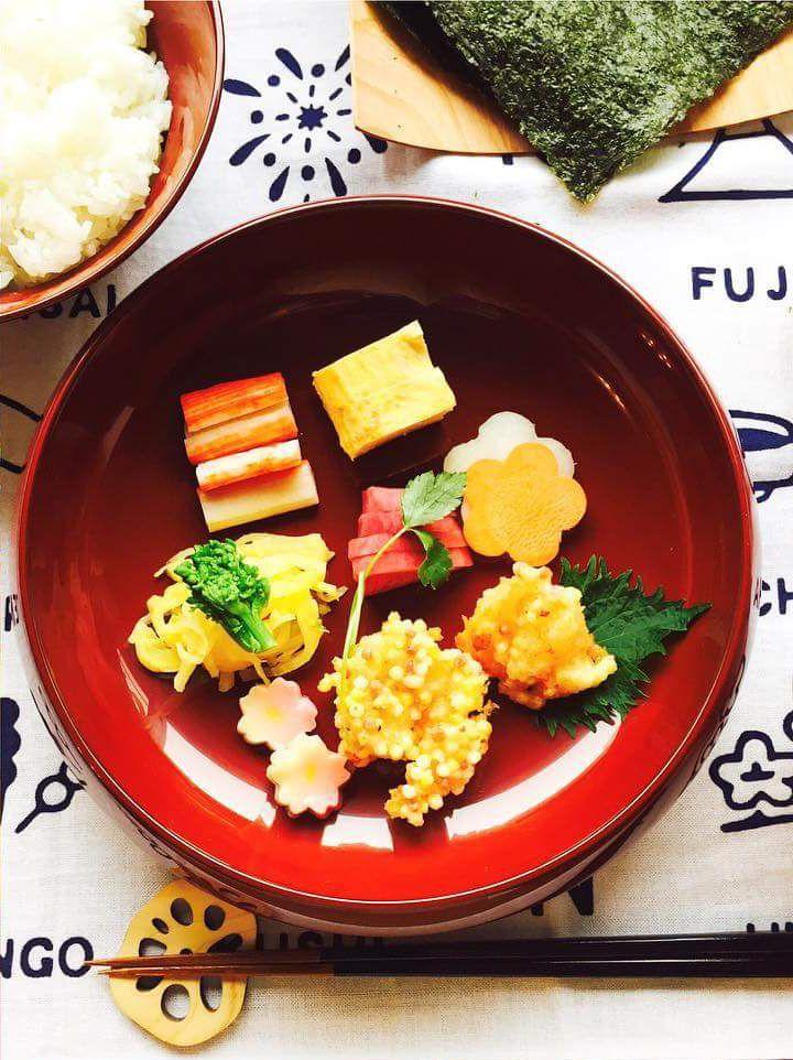 子供達が盛りつけた、おもてなしの可愛いひと皿。  Fudanシリーズ_きょうかはち銀朱色   http://j-cocomo.jp