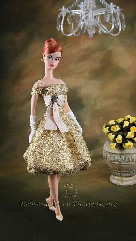 Golden Evening DressBarbie Girls, Dolls Fashion, Dolls Collection, Fashion Dolls, Barbie Collection, Barbie Dolls, Barbie Fashion, Cest Magique, Dolls Barbie