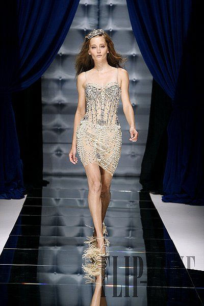 Zuhair military  Murad style   Murad Murad  Fall Couture and   Zuhair Fall   Zuhair hats Couture