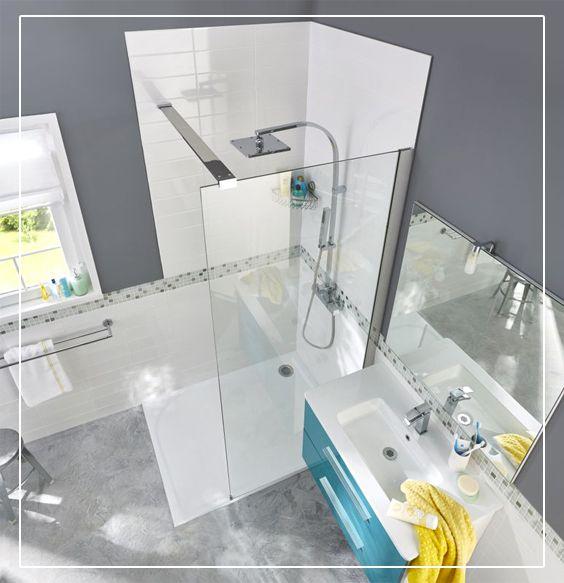 Une paroi latérale de douche transparente Akiti saura s'intégrer dans une salle de bain moderne, classique ou originale.