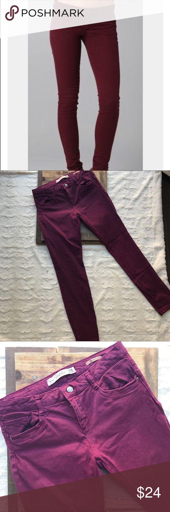 Zara Trafaluc Burgundy Skinny Jeans Zara Trafaluc Burgundy Skinny Jeans  • Size 8 • Burgundy color (most true to color is 2nd pic) • Great statement pant • Zipper fly, 5 pockets Zara Jeans Skinny