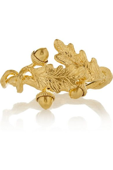 Alexander McQueen'sgold-plated acorn bracelet #fall #bracelet #alexandermcqueen