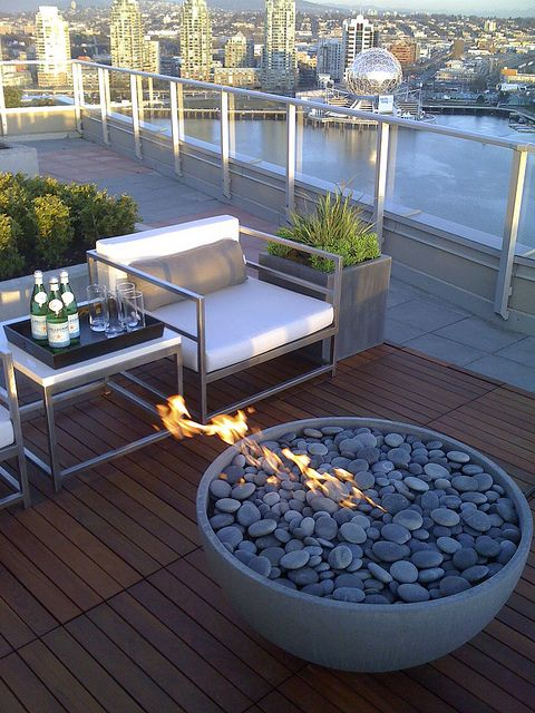 Urban outdoor living with fire pit