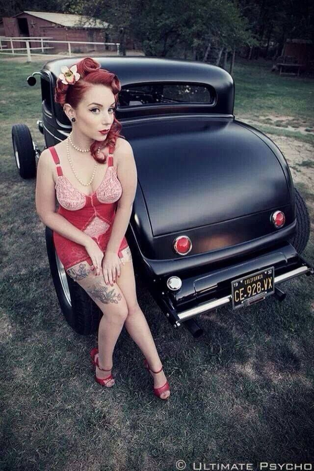 That Rockabilly girls bent over cars