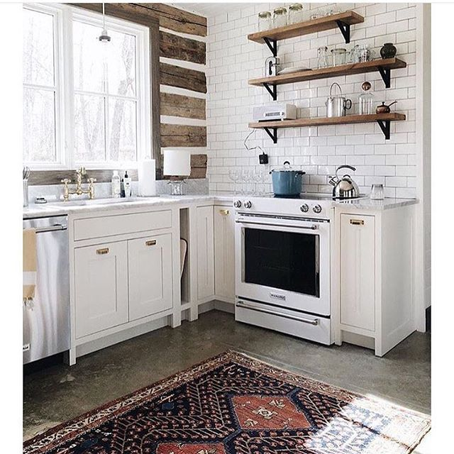A little Saturday morning kitchen inspiration. You had me at white cabinets, marble countertops,reclaimed wood and vintage rug!  via @ruh_nyc #inspiration #pinterest