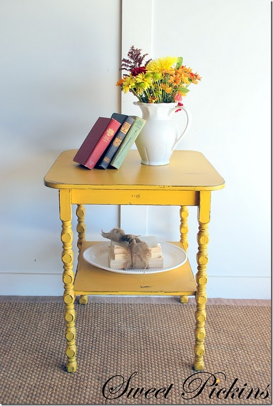 Love this yellow distressing.If only I could find a table like this somewhere.Garage sale,flea market etc.?