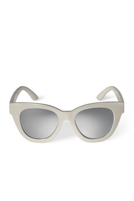 Weekday Jetlag Cateye Sunglasses in Beige Light