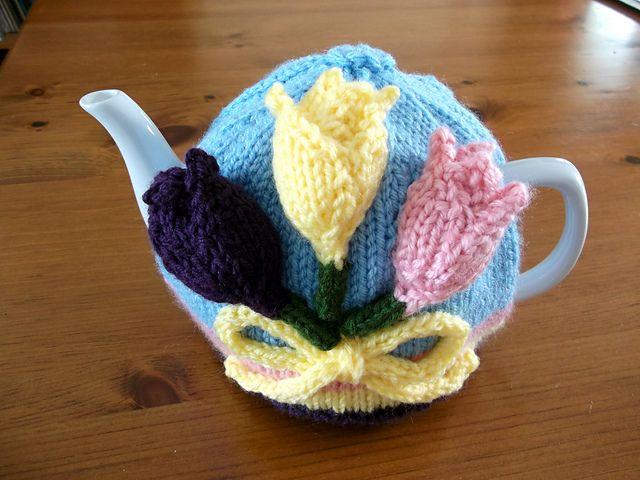 Ravelry: ShannonBayKnits' Tulip Time Tea Cozy
