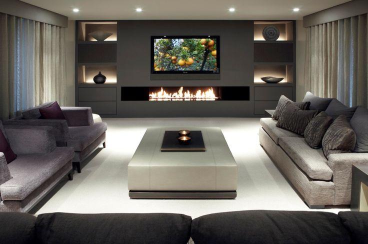 Расстановка мебели у камина с телевизором
