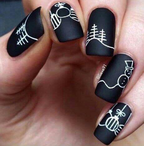 Black and white Christmas nail art