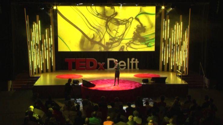 Wendy Lampen vertelt een zeer boeiend verhaal over haarzelf, hoe bij haar informatie via de zintuigen binnenkomt
