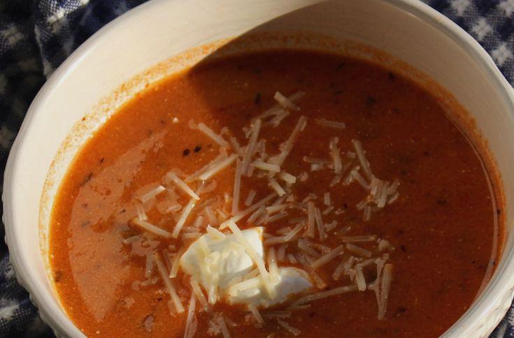 Τραχανάς σούπα με ντομάτα της Αργυρώ Μπαρμπαρίγου | Ο τραχανάς κοκκινιστός, είναι μία από τις πιο έυκολες, γρήγορες και παραδοσιακες συνταγές.