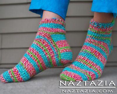 Free Pattern - Easy Crochet Socks. Sz E & F hooks. Go to http://www.crochetme.com/media/p/89746.aspx if you want to skip Ravelry.