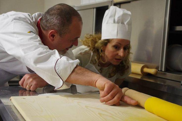 Farina, Acqua,Uova e vai di Mattarello! A Tavola con lo chef Corso Amatoriale
