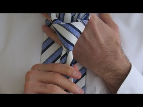 How To Tie a Tie for BEGINNERS - Double windsor.  The ONLY video that I could actually follow.