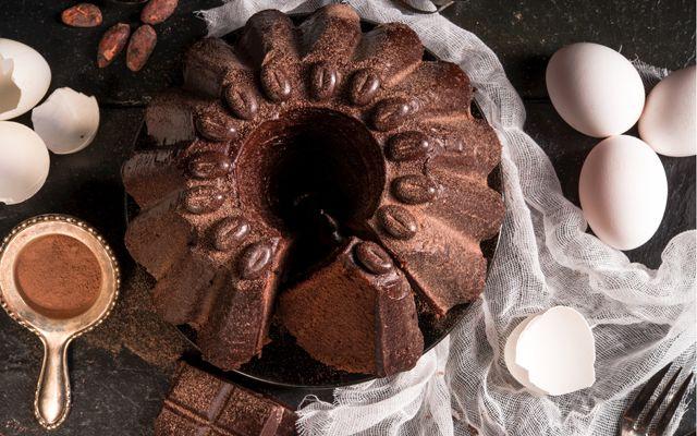 Alle originele desserts zoals vanillecrêpes en ijslolly's ten spijt, chocoladetaart is en blijft onze eerste grote liefde. Wij zouden het zelfs als ontbijt kunnen eten. Wat blijkt nu? Het zou nog gezond zijn ook!