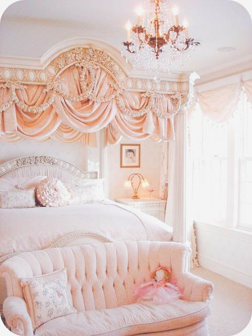 Best 25 princess bedrooms ideas on pinterest for Fancy girl bedroom ideas