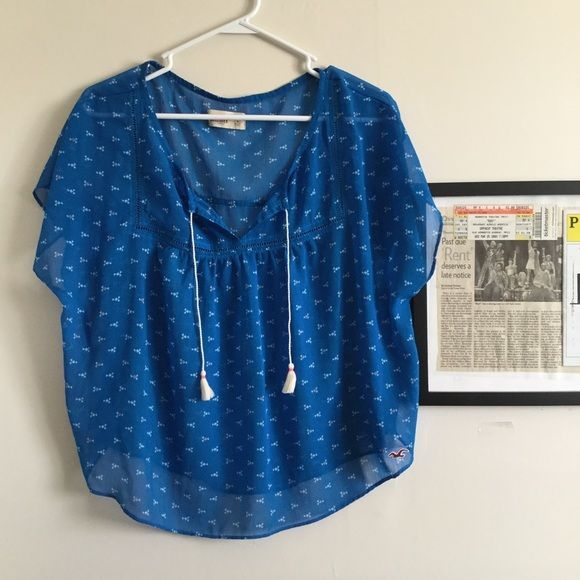 Hollister top Like New Hollister blue blouse Hollister Tops Blouses