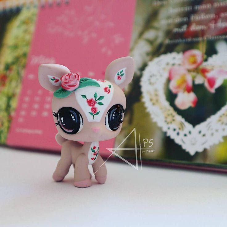 A vintage deer with roses. A beautiful littlest pet shop custom from #alpscustoms #lpscustom #littlestpetshop #lps