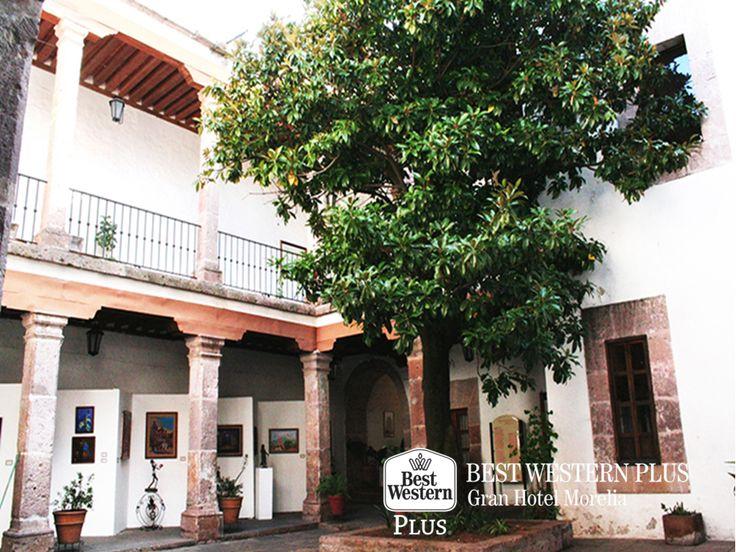 EL MEJOR HOTEL DE MORELIA. Sobre una casona de cantera rosa, se encuentra instalado el Museo del Estado de Michoacán, el cual cuenta con tres secciones divididas en historia, arqueología y etnología. En Best Western Plus Morelia, le invitamos a hospedarse con nosotros y conocer la historia de nuestro estado, recorriendo este importante museo. #bestwesternmorelia