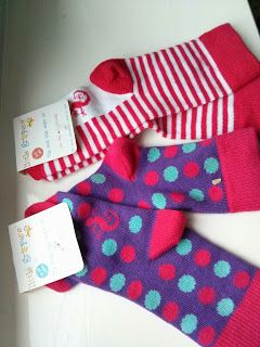 This Day I Love features @littlegrippers bright and colourful baby and toddler socks with #stayontechnology