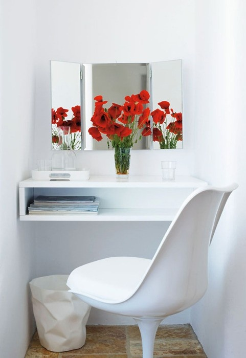 Cute idea for a guest room, can be used as little desk or makeup table