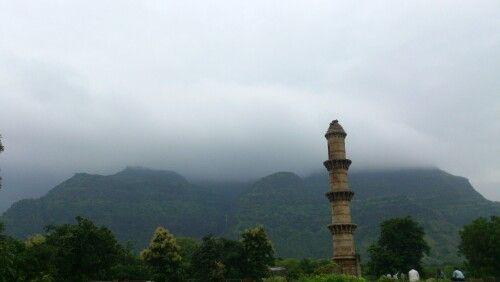 Ek minar masjid, Champaner, Pavagadh (Background), Gujarat, India