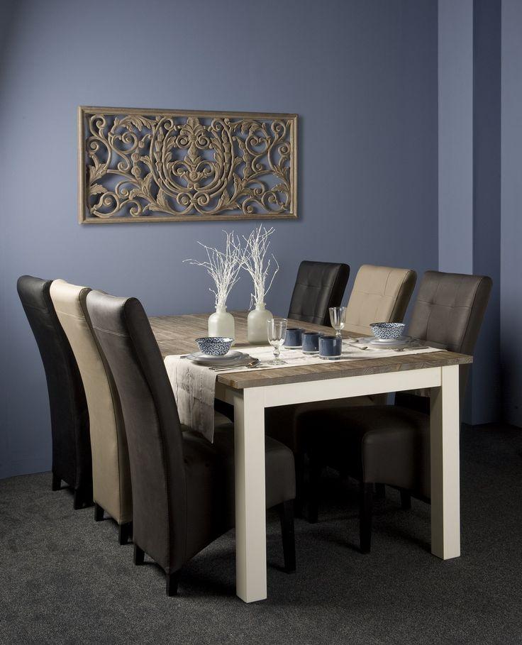 Strakke en #moderne #tafel voor in de eetkamer! Eettafel #Lisa heeft een tijdloos design en gaat dus jaren mee. Tafel met een witte, rechte poot en een vergrijsd houten blad. Verkrijgbaar in 4 verschillende maten: 160/180/200/220 cm. Bestel direct bij van de Pol Meubelen.