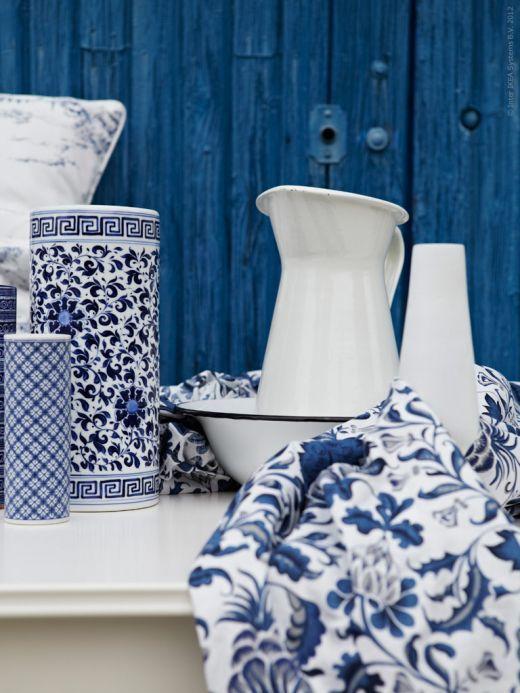 Classic white & blue