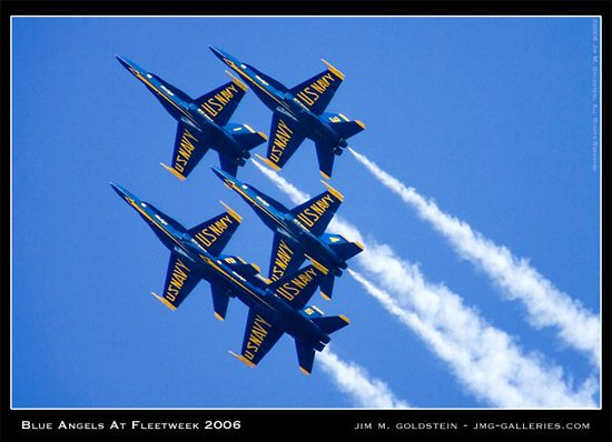 10 Essential Tips to Get Great Blue Angels Photos | BorrowLensesBlog
