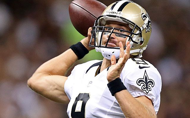 Saints' Drew Brees Injury Nothing As He Tears Into New England Patriots Defense - http://movietvtechgeeks.com/saints-drew-brees-injury-nothing-as-he-tears-into-new-england-patriots-defense/-Apparently that small oblique injury that New Orleans Saints quarterback Drew Brees suffered during training camp last season was a bit more of a nuisance for him than he let on.