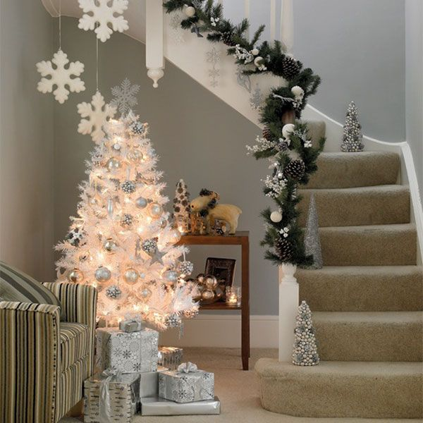 holiday decorating | Christmas Home Decor And Christmas Decorating Ideas -Santa Claus house