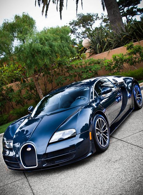 One of the best looking Bugatti Veyron's, in my opinion.                                                                                                                                                      More