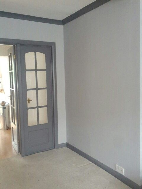 Grey walls with dark grey woodwork, skirting and coving. Really pleased we dared to do this in the end, looks phenomenal.