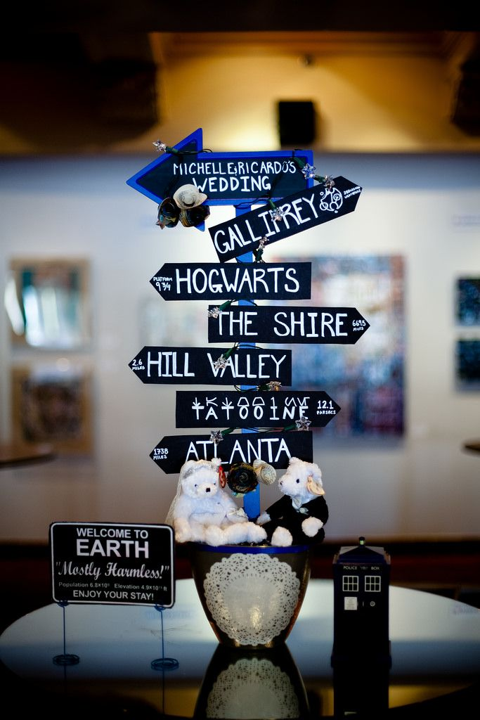 Movie geek wedding from @offbeatbride - #goals plenty of ideas on how we can mash up our interests!