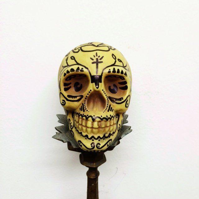 Los Muertos Sabes La Verdadsame skull, same pleasure ✌️ misura di un pugno  spedizione inclusa! #goldenhelvete #skull #teschio #daje ... €20.00