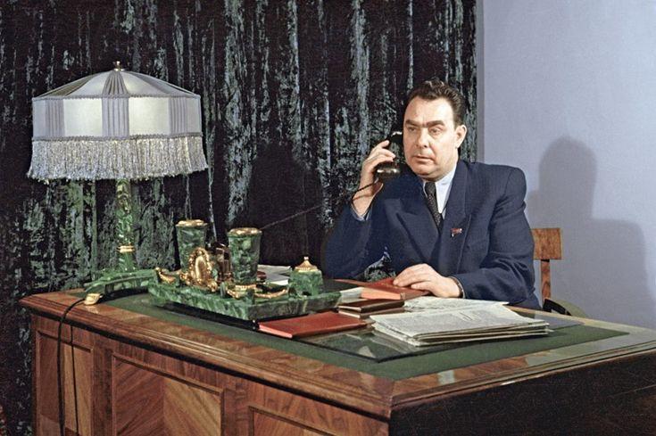 Л.И. Брежнев  - секретарь  ЦК КП Казахстана, 1954г.