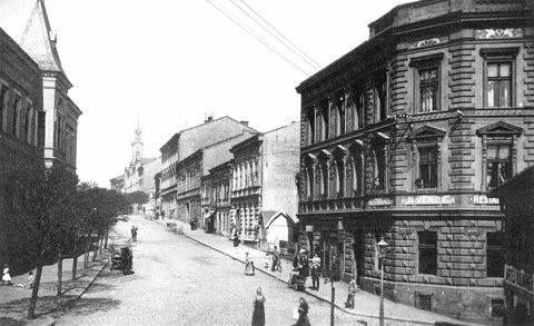 Kutnohorská ulice,  v puvodni podobe,nez doslo ke zmene -stavbou noveho mostu