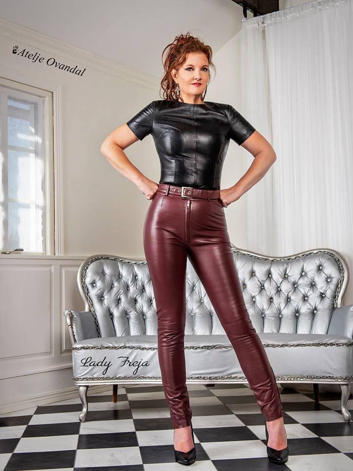 Maturemodels In 2020 Leder Leggings Lederbekleidung Kleidung