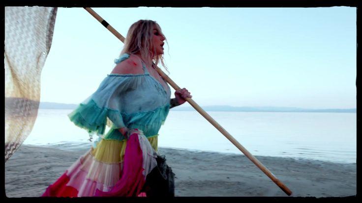 Praying-Kesha-Traducao-em-portugues-15