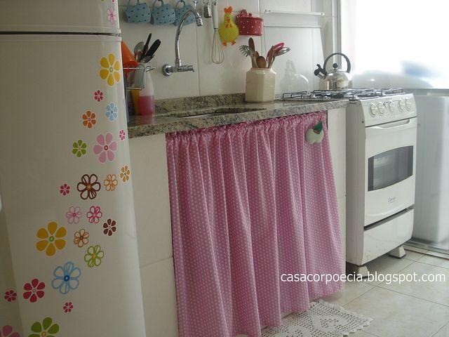 A cortina da pia da minha cozinha!