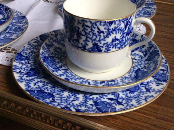 Trio di tazza tè vasellame antico blu e bianco