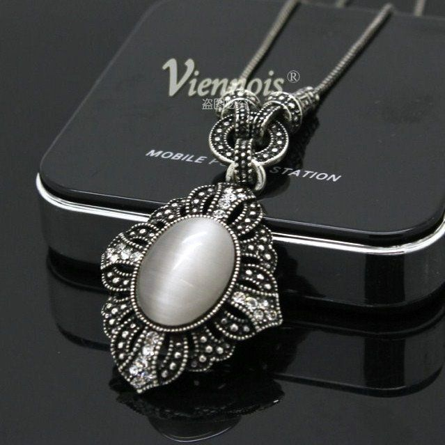 Allergy Free NEW Viennois Simulated Opal Vintage Silver Necklace Fashion Costume Jewellery ! $521,38