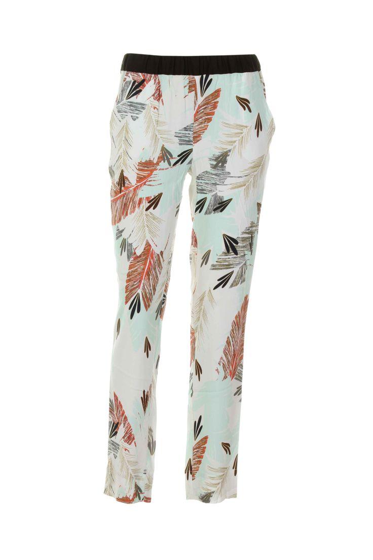 Pantalons Pantalons décontractés VIRGINIE CASTAWAY - couleur VERT - matiere Viscose