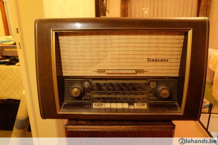 Antieke radio nordMende Traviata 57