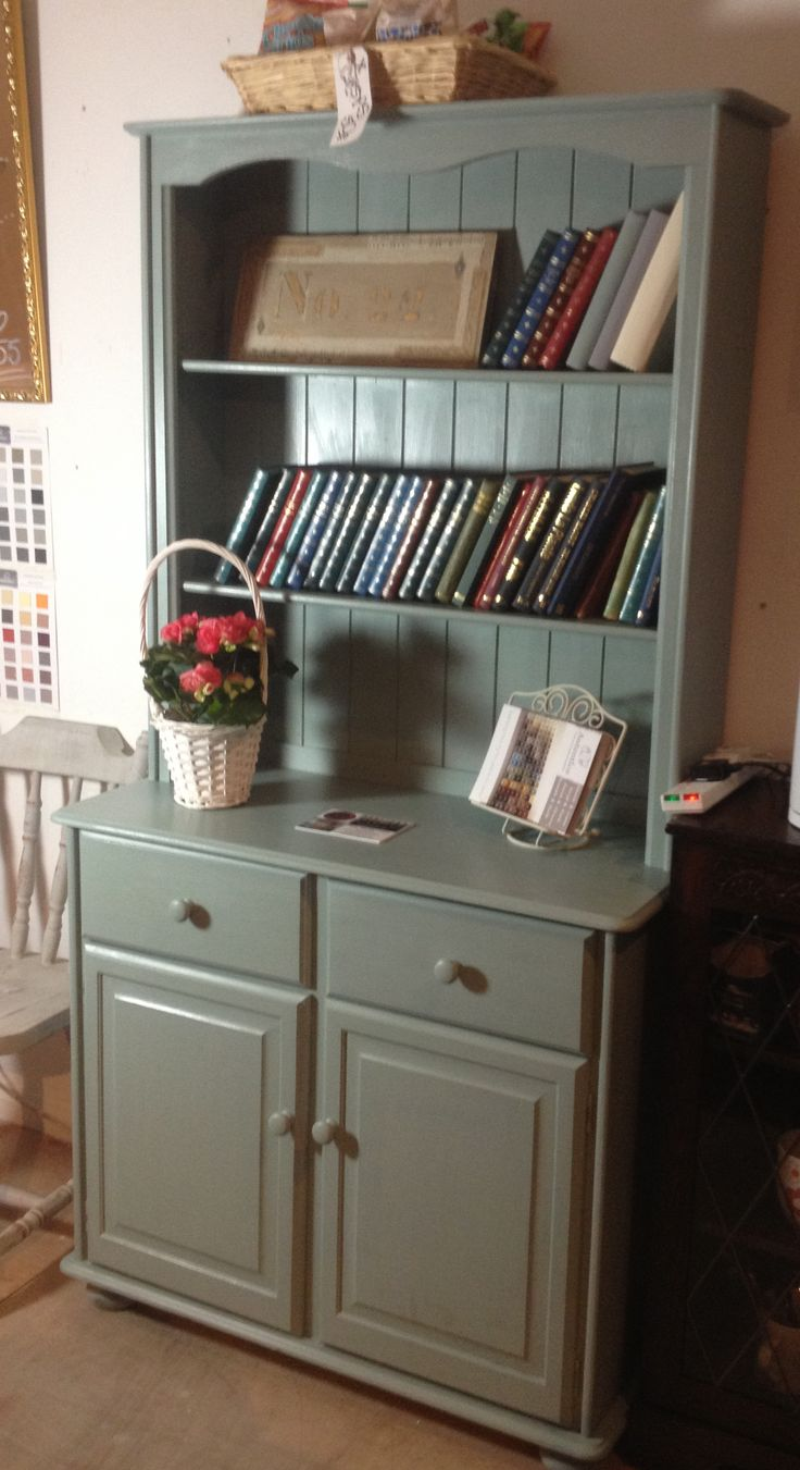 Newly painted dresser in winter sky! Makes the workshop look so homely :)