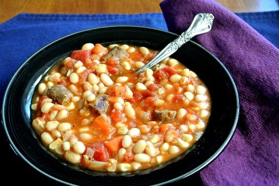 Bean Stew with Sausage and Corn- a warm and comforting dish #soups #navybean