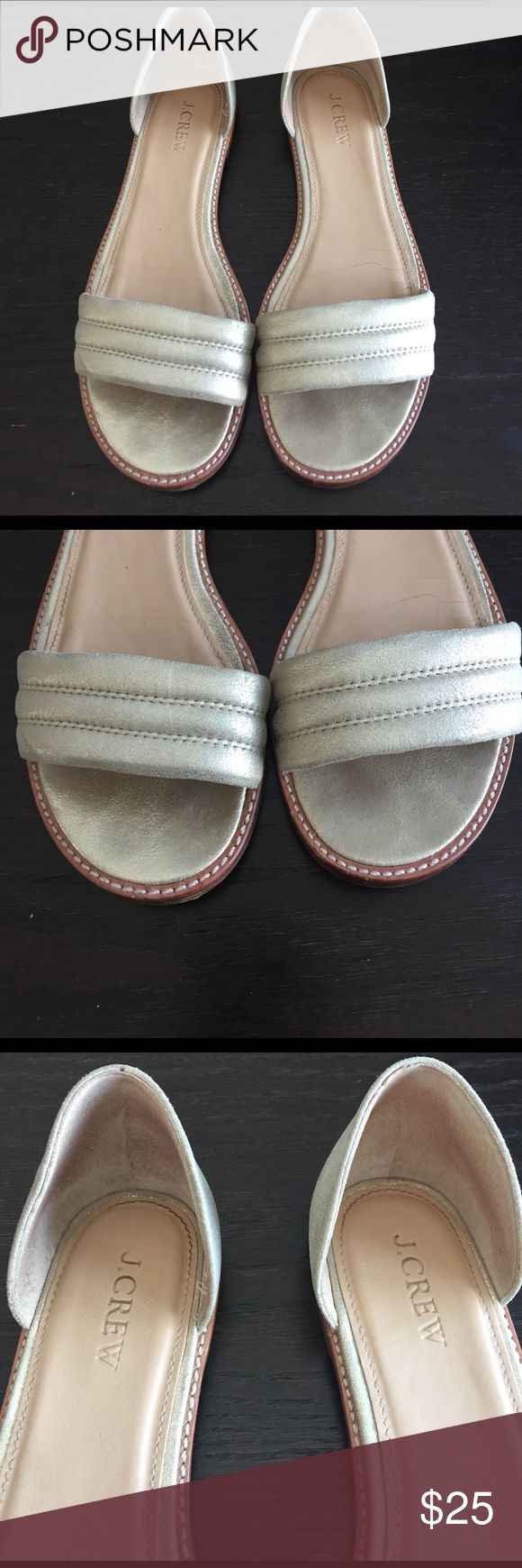 J.Crew Gold flat sandals J.Crew Gold flat sandals!! Great sandals for the summer. Sandals are in good condition. Size 7.5 J. Crew Shoes Sandals