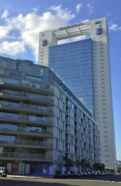 Edificio Standard Bank en Puerto Madero. Buenos Aires, Argentina.